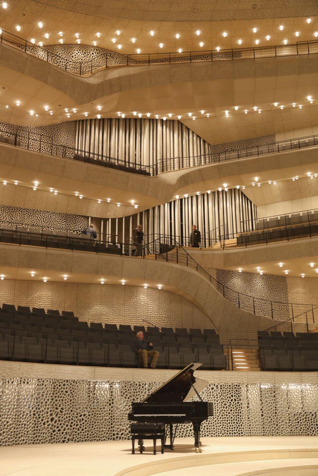 L Elbphilharmonie De Hambourg Allemagne Princess Monarchy Konzerthalle Flur Design Hamburg