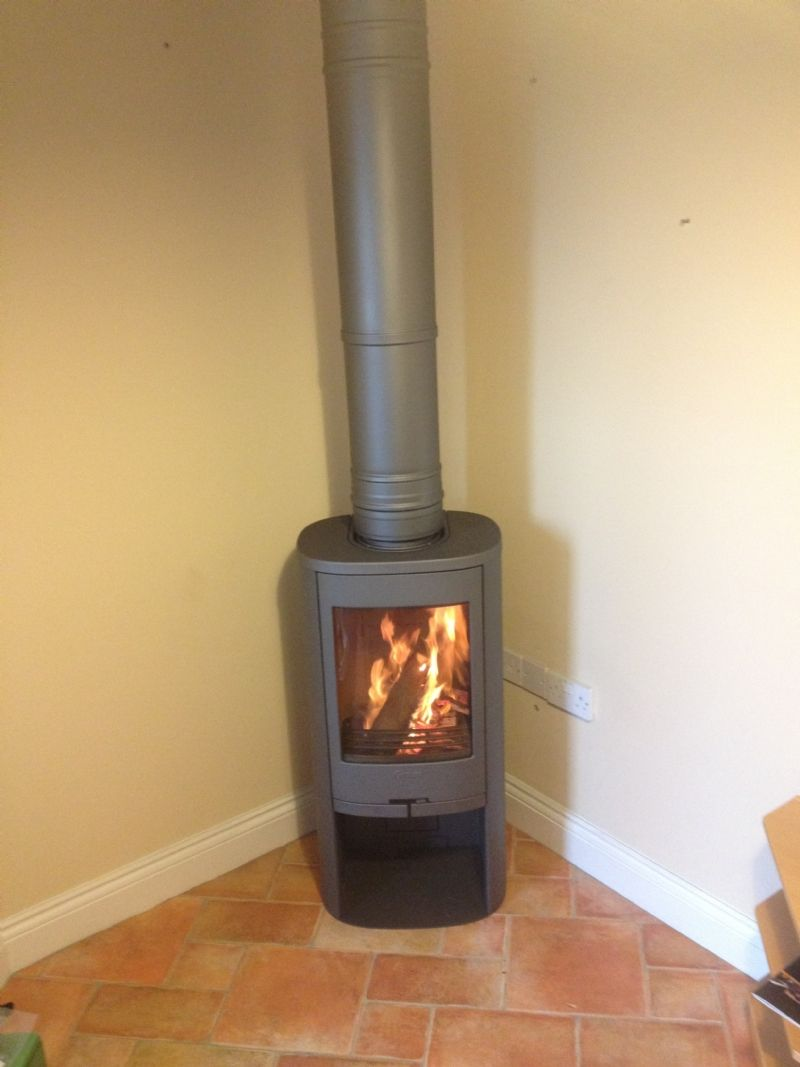 Kernow Fires Contura 810 In A Corner Wood Burning Stove Installation In Cornwall Wood Burning Stove Corner Small Wood Burning Stove Corner Wood Stove