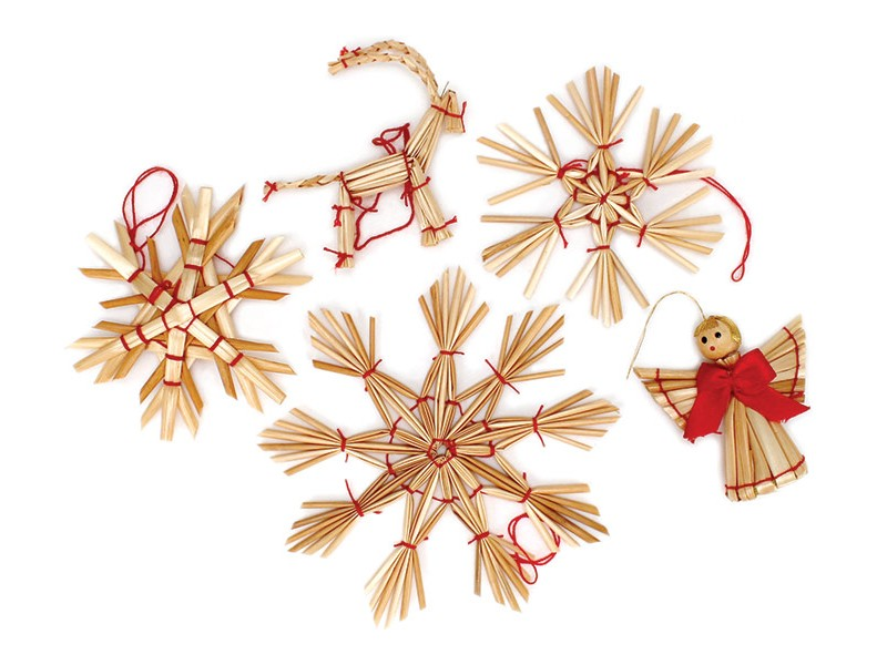 Traditional Straw Ornaments Box Of 28 Straw Paper Tree Ornaments Christmas In 2020 Scandinavian Christmas Scandinavian Christmas Diy Fun Christmas Decorations