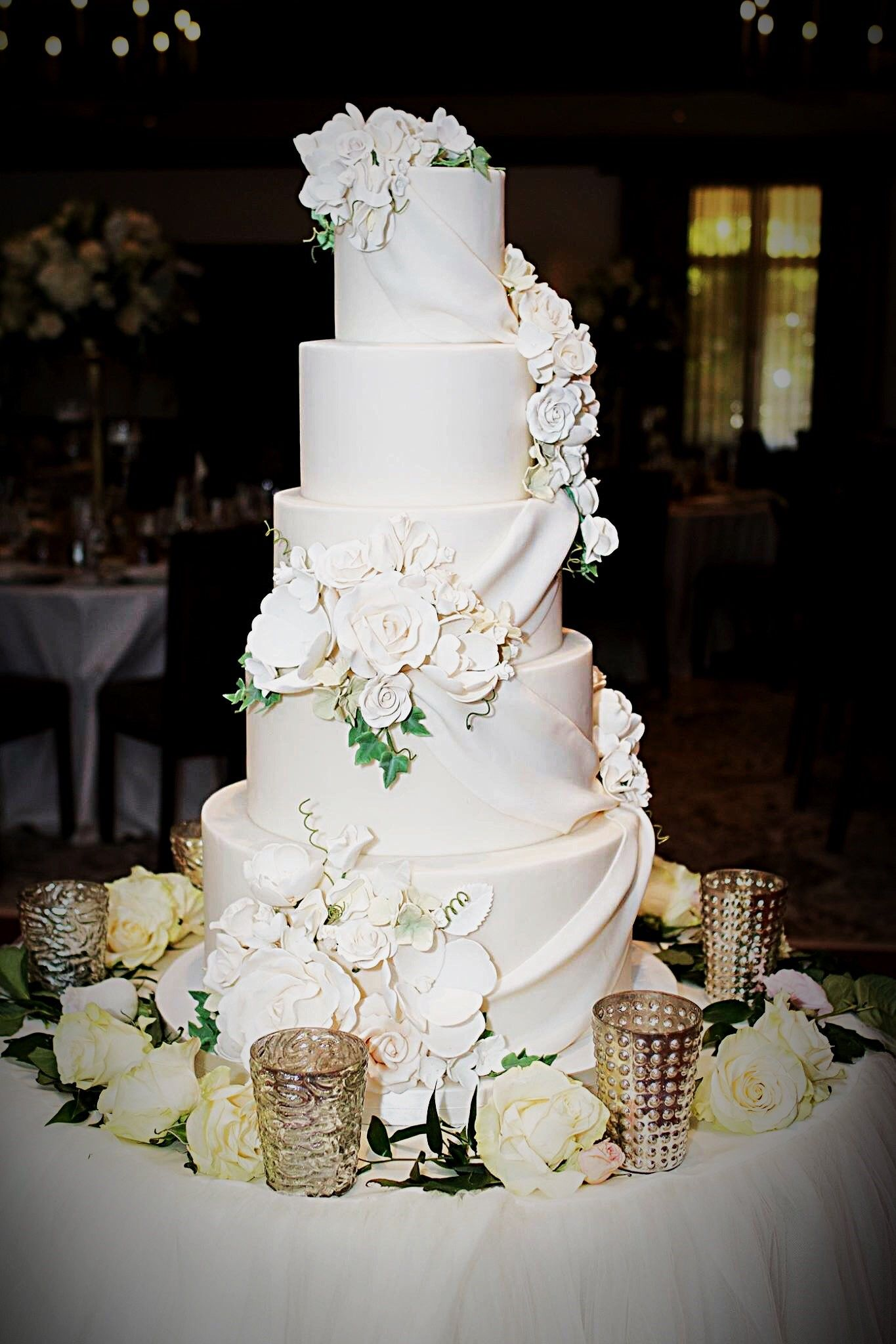 How stunning is this 5 tier fondant cake? The roses, magnolias ...