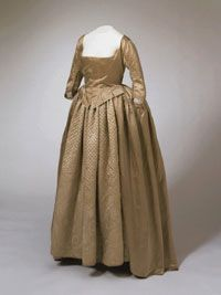 """""""Quaker gown and petticoat, ca. 1799; PMA 1971.68.1"""" quilted skirt"""