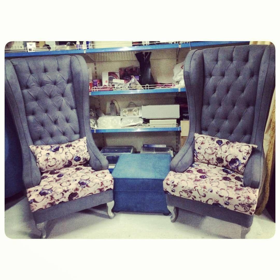 For Sale Classic King Chair With Center Table Price 180 Bd للبيع كراسي كلاسك كنغ لون رصاصي مع طاولة وسط بحالة جدا ممتازة ا Furniture Home Decor Decor