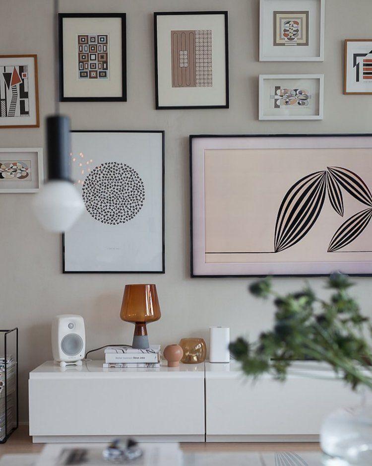 salon meuble TV blanc rangement decoration murale tableaux ...