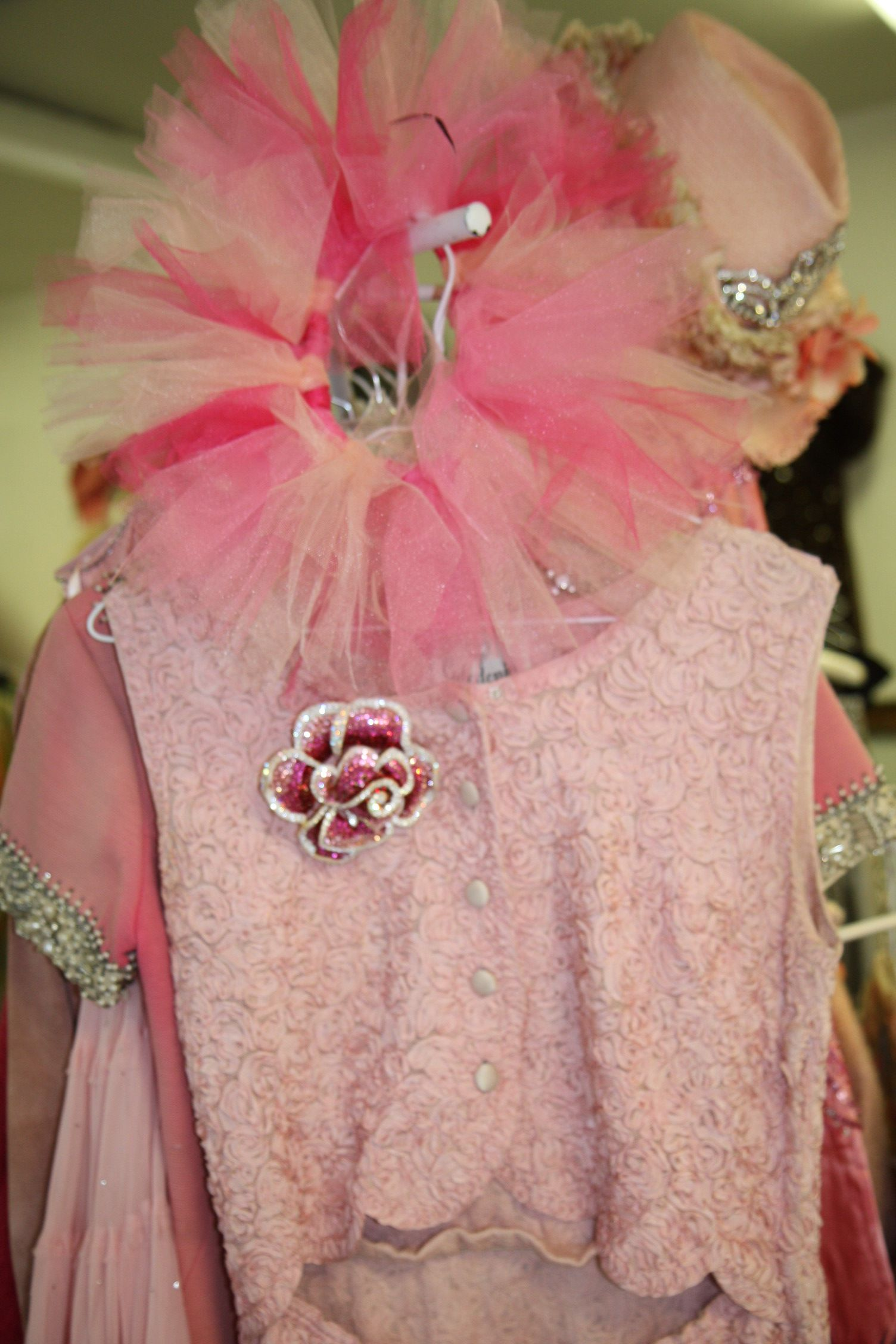 who doesn\'t love vintage pink dresses? | Pretty in Pink! | Pinterest