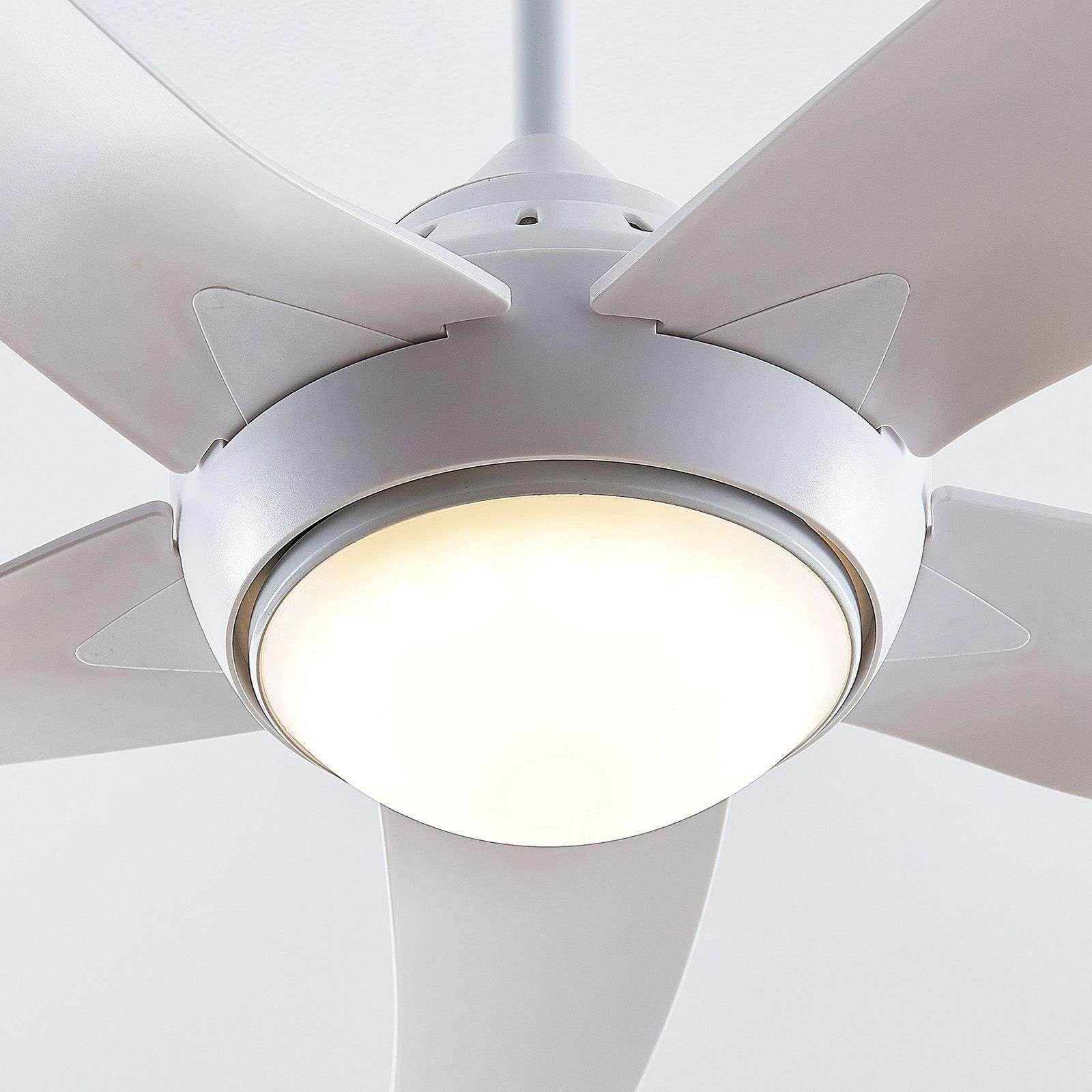 Moderner Deckenventilatoren Mit Beleuchtung Von Arcchio Weiss In 2020 Led Ventilator Und Deckenventilator