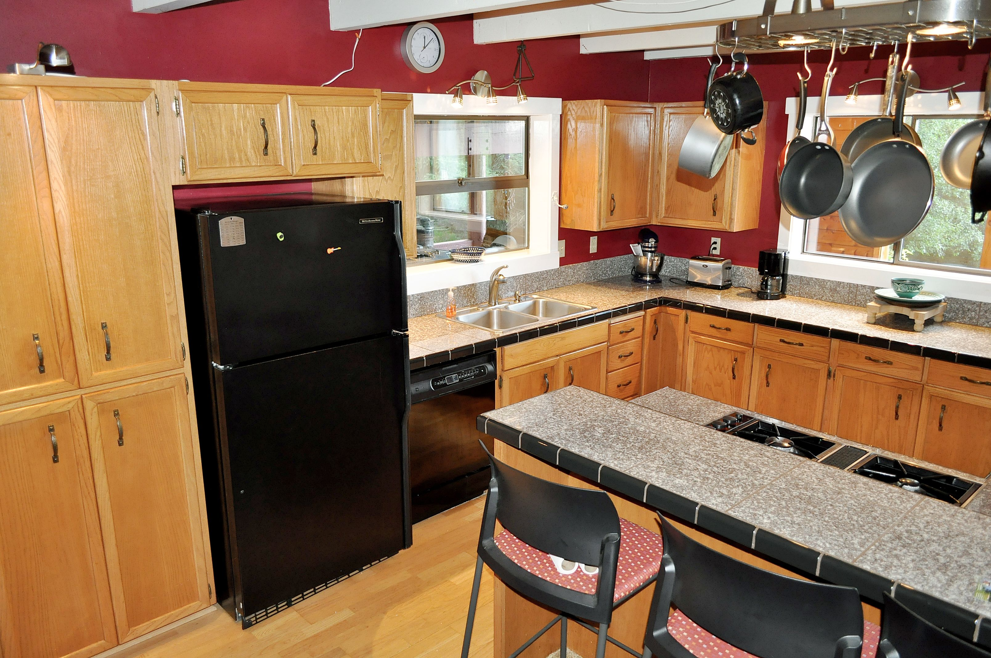 169 Olga Cemetery Rd Orcas Island Wa 98279 3 Bed 3 Bath Cute Kitchen Office With A View Kitchen