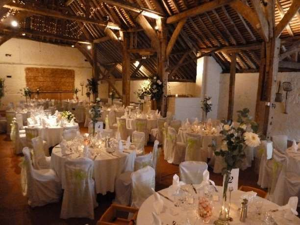 Pangdean Old Barn Wedding Venue In Brighton Sus With A Stunning Oak Framed