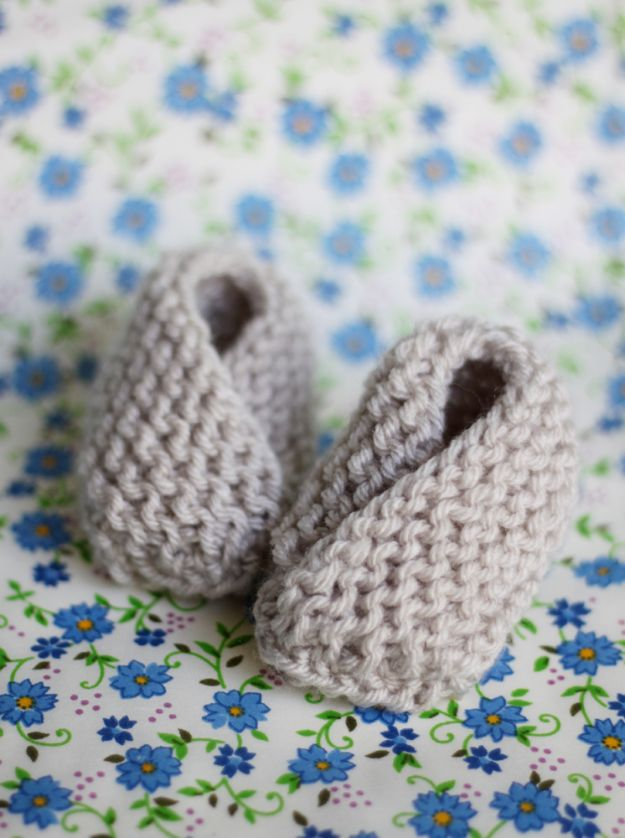 38 Easy Knitting Ideas   Easy knitting ideas, Knit baby booties and ...