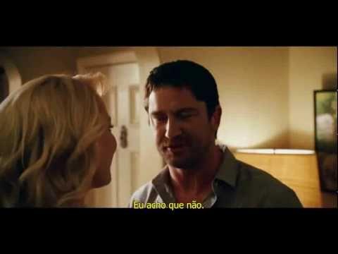 A verdade nua e crua - comédia/romance  O filme é fofo, engraçado e tem Gerard Butler (socorro!!!).
