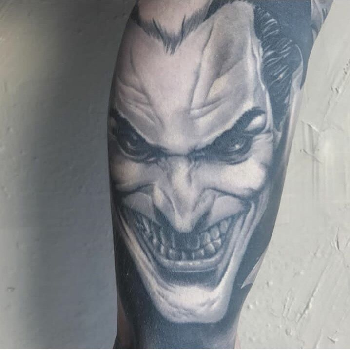 @mars_tattoos Citas / bookings: info@goldstreetbcn.com  @barber_dts @barberdts.spain @balm_tattoo  @barcelonacablepark @aflmma #tattoo #goldstreettattoo #barcelona
