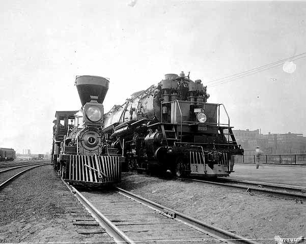 El William Crooks fue la primera locomotora de vapor para funcionar en Minnesota y es una de las pocas locomotoras de la época de la guerra civil todavía en existencia. La locomotora fue construida en 1861 y eventualmente se convirtió en parte del Gran Ferrocarril del Norte. Fue nombrado por William Crooks, Jefe de Ingeniería Mecánica de la St. Paul y ferrocarril pacífico (line predecesor de Great Northern).