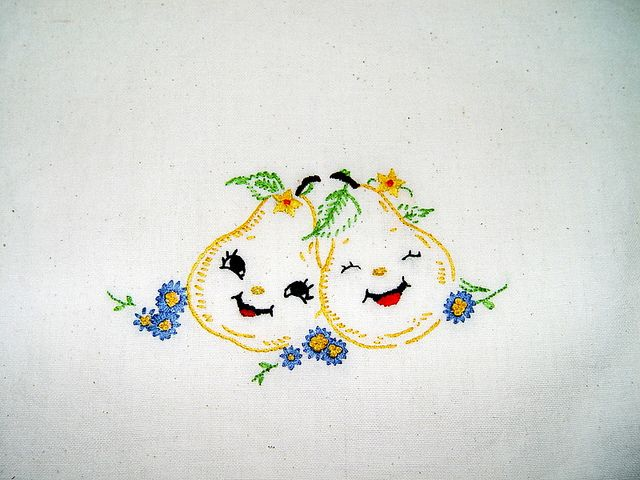 THE HAPPY PEAR Hand Embroidered Dish Towel With Vintage Design Part 97