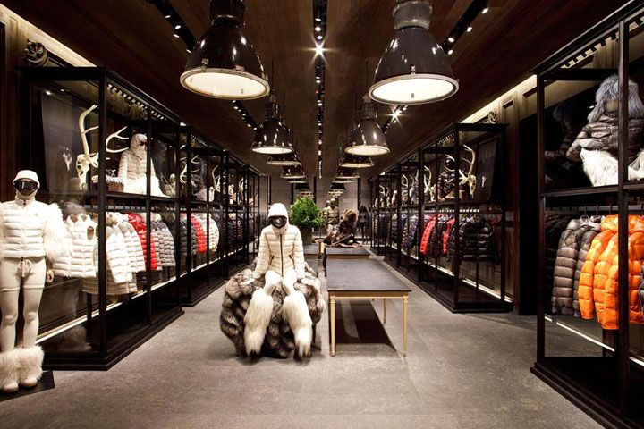 moncler barcelona store
