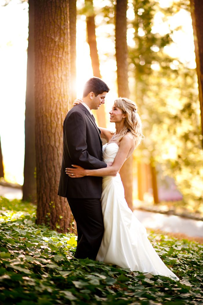 Asheville, NC Wedding Pictures outside the Grovepark Inn! so pretty and one of my favorite places ever!!!
