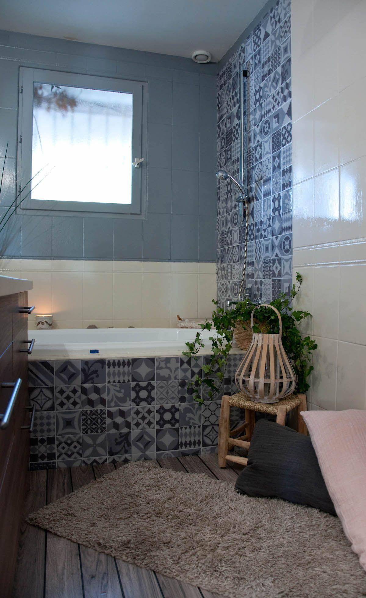 Accessoire Salle De Bain ~ Nouveaux Look Pour Une Salle De Bain Avec Les Carreaux Adh Sifs