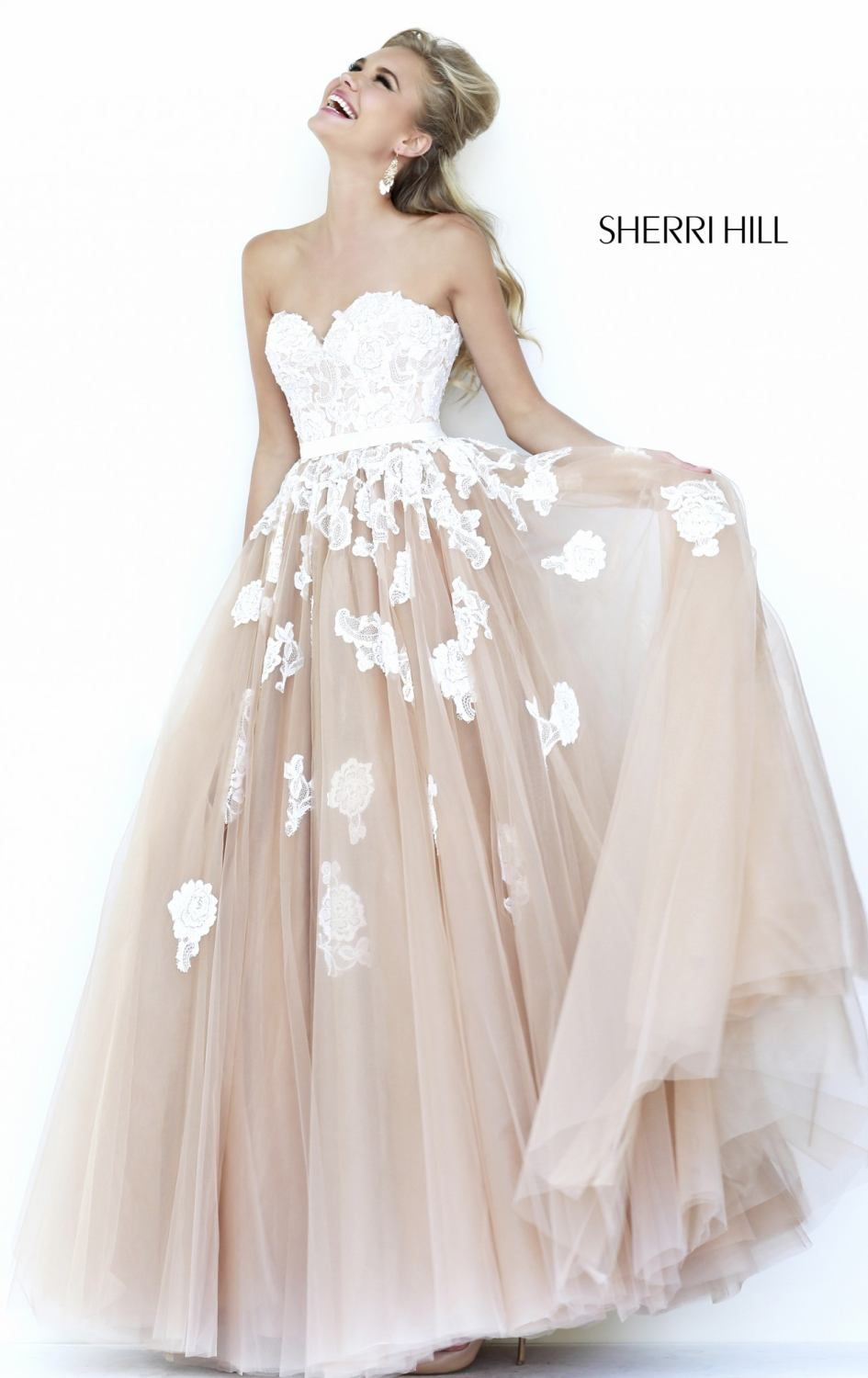 3791cd9ad32c I would wear this as my wedding dress if the bottom was a lighter peachy  pink.