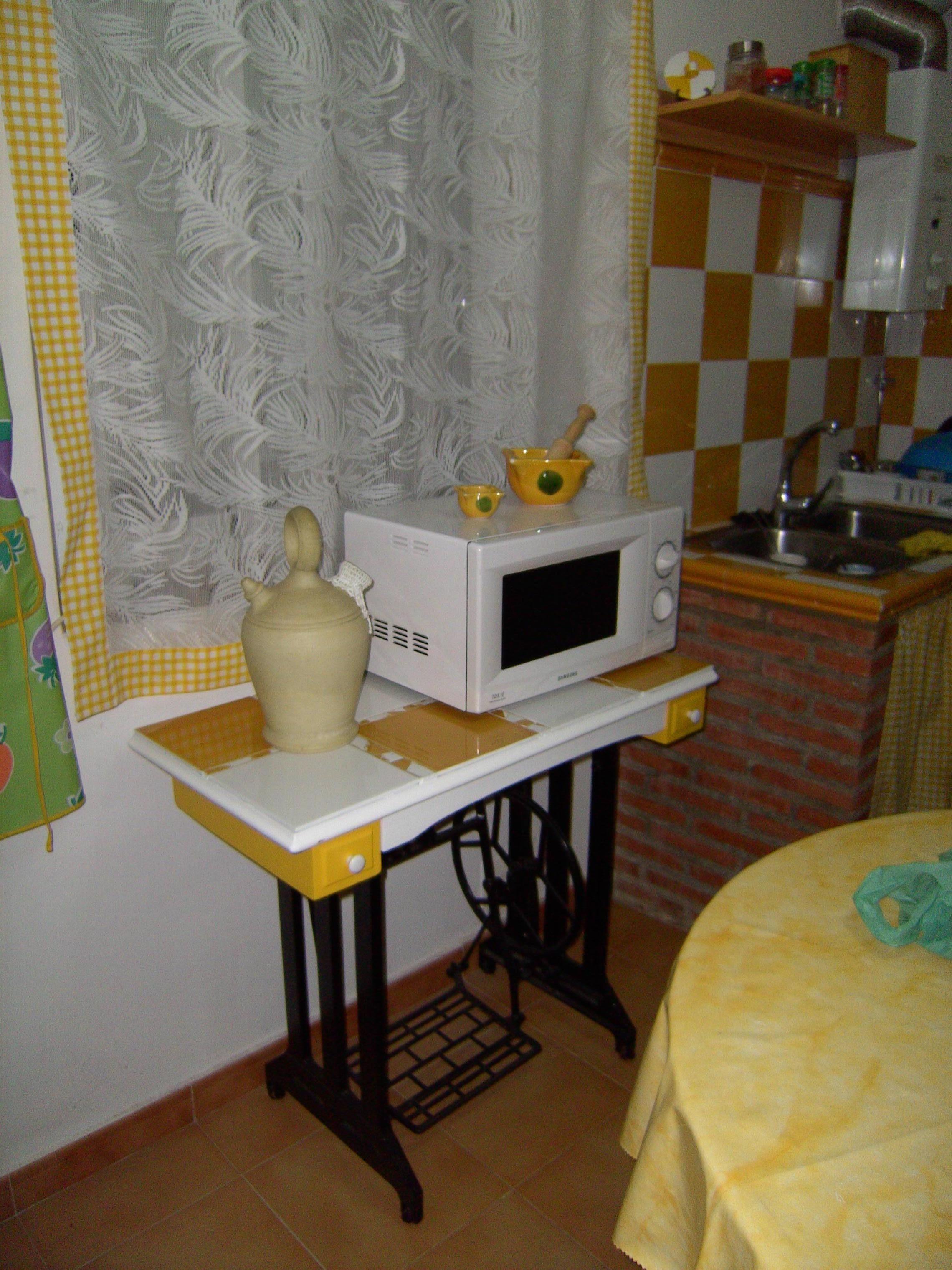 Mesa de maquina de coser reciclada restauraci n - Mesa para maquina de coser ikea ...