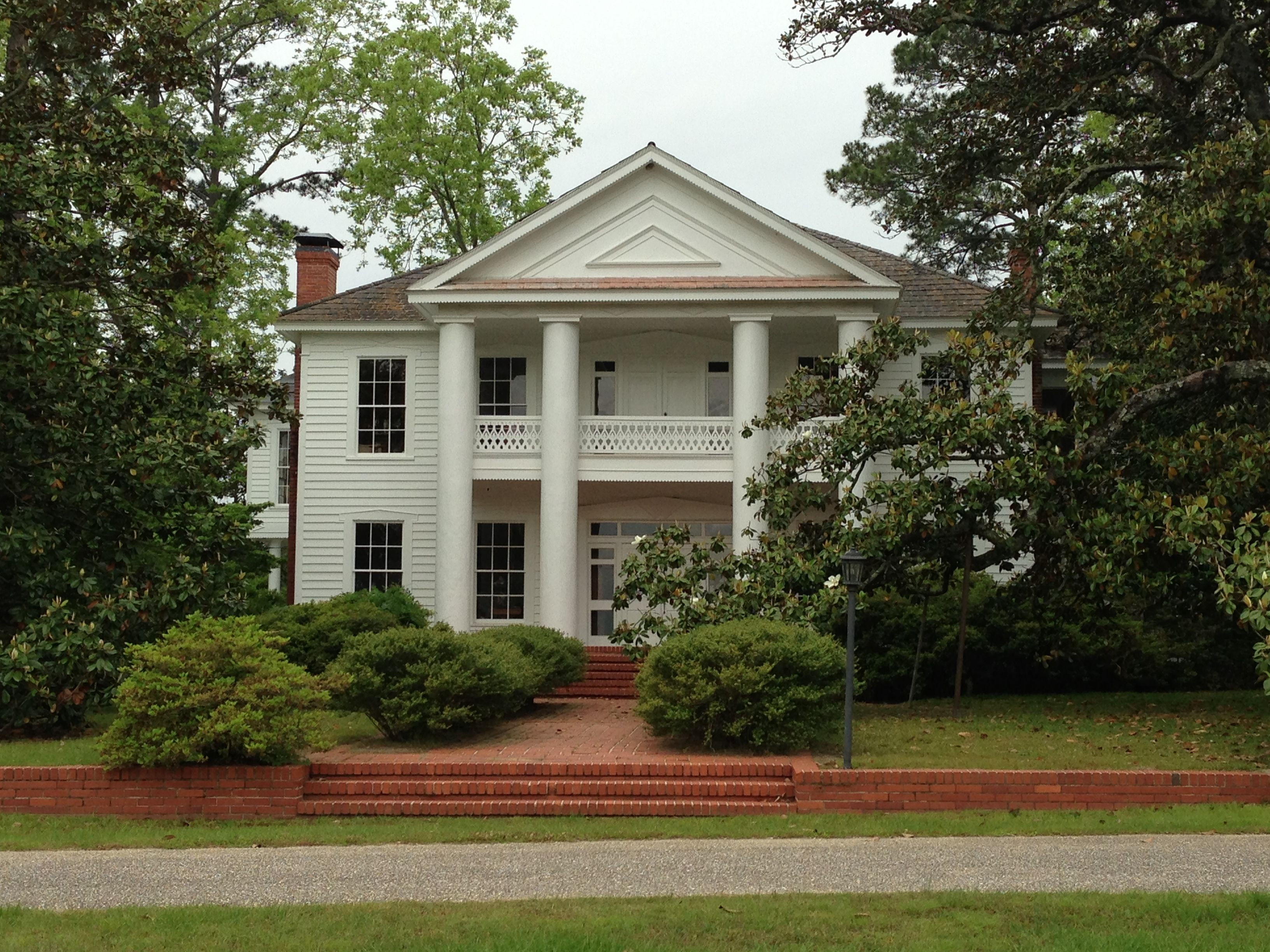 Magnolia villa the russell harper house monroeville for Lee homes