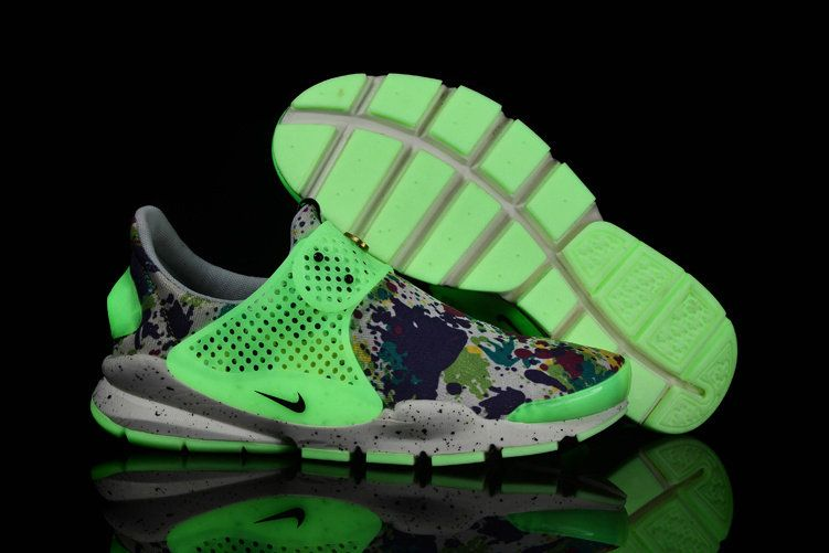more photos a7fd3 43e32 Girl WMNS Nike Sock Dart lightning Print MultiColor White Floral Pure  Platinum