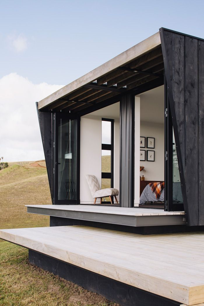23 surprisingly gorgeous homes made from shipping containers sun new zealand and beaches - Container Home Designer