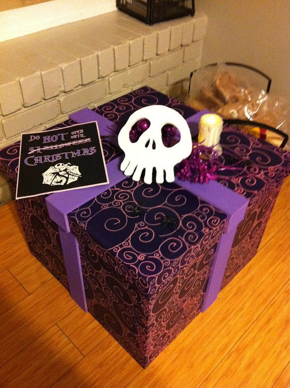 this would be a great storage been for halloween stuff need to make