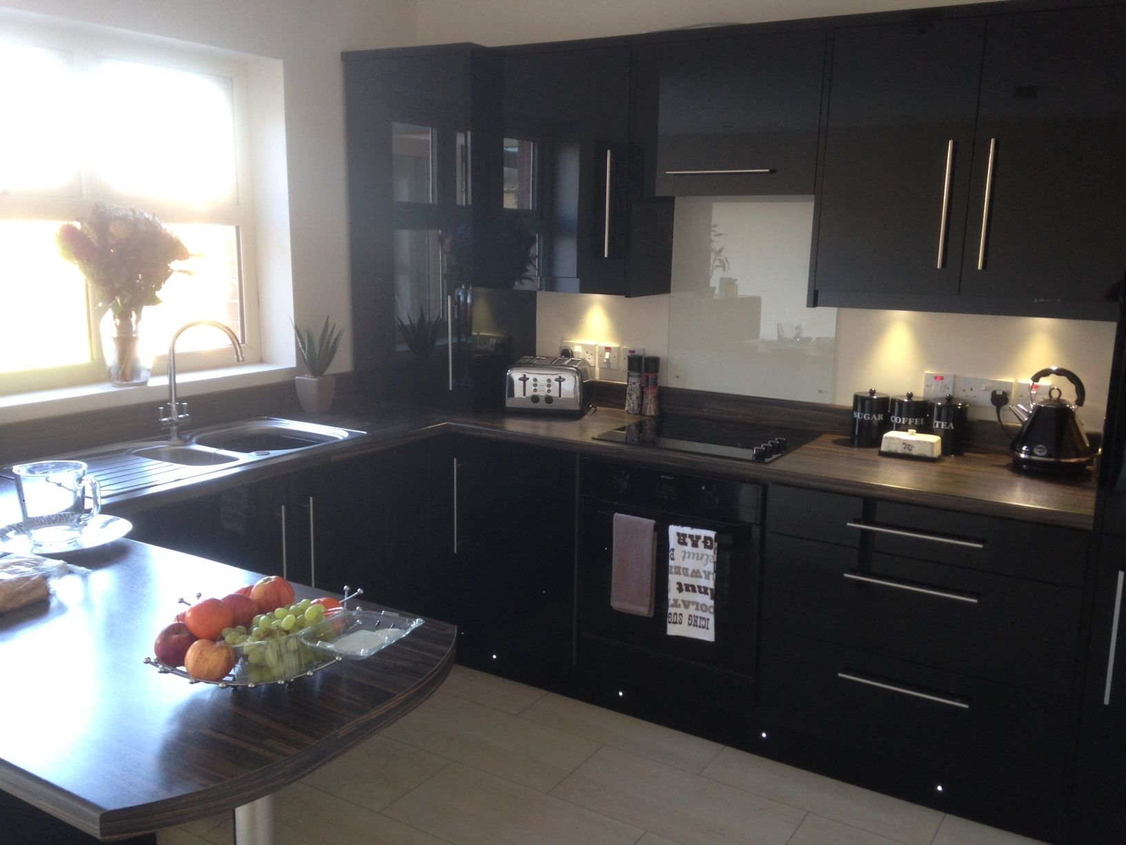 Black Gloss Kitchen, installed in a previous development