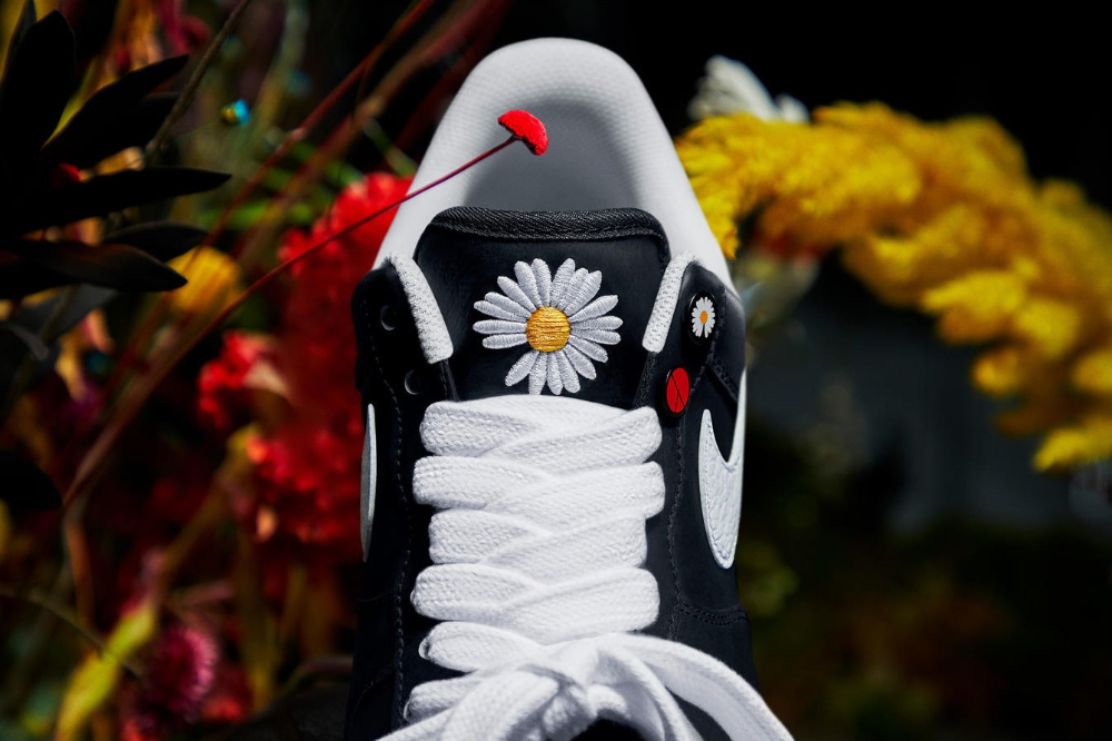 Take an Official Look at G Dragon's PEACEMINUSONE x Nike Air