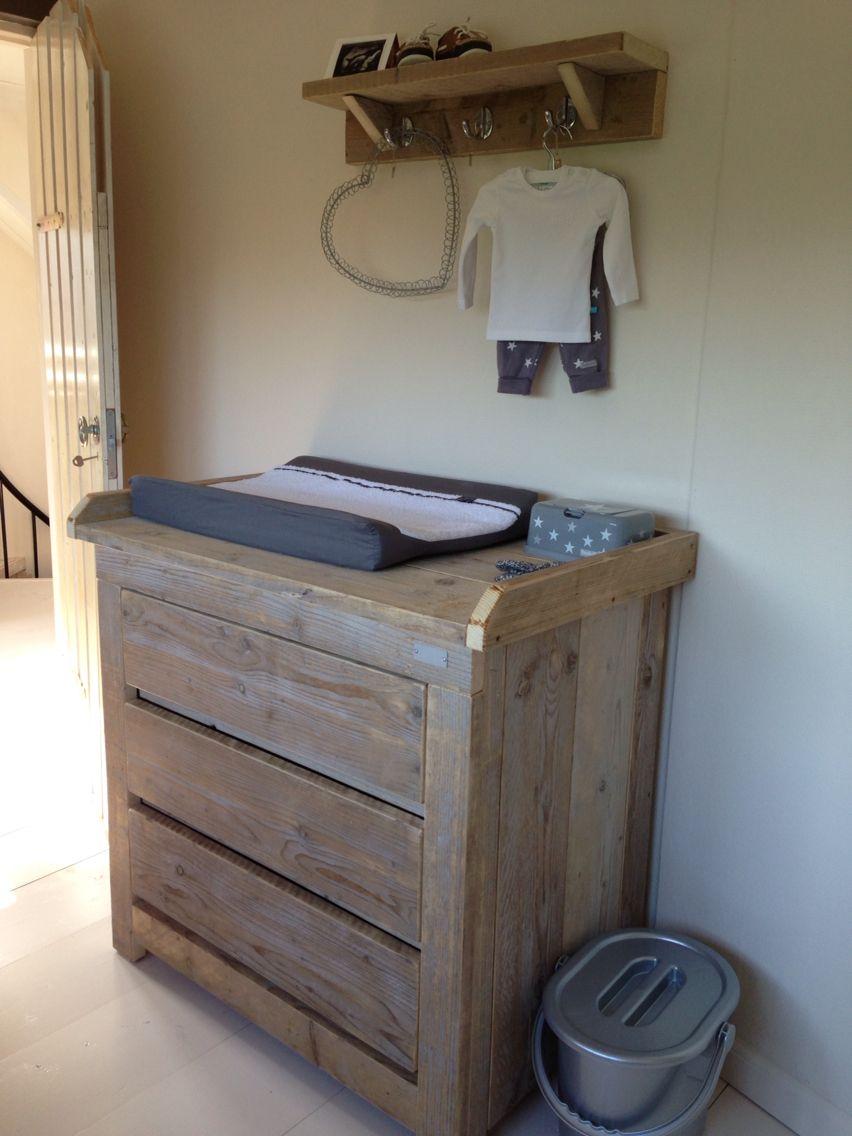 Commode van steigerhout ❤   Babykamer   Pinterest