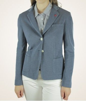 http://tombolini.ca/add-to-your-closet-knit-blazer/