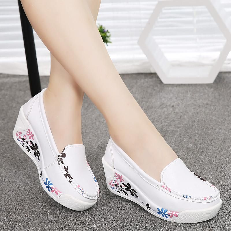 Pin di ~khadija~ su scarpe   Scarpe casual, Scarpe e Zeppe