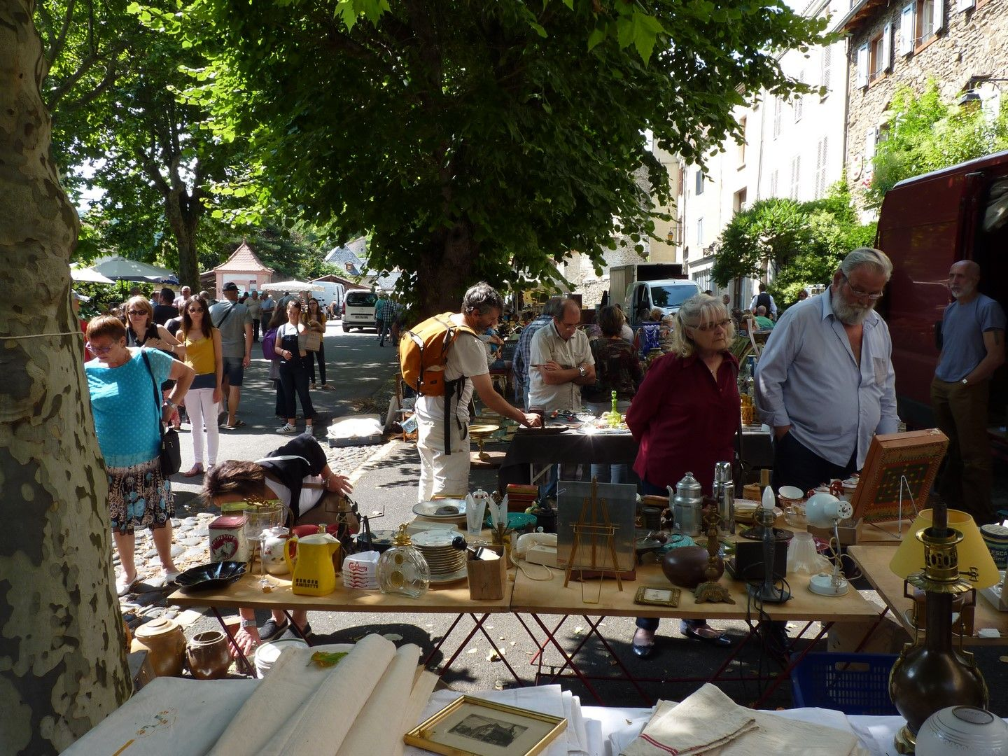 Belle Brocante Dans Le Village De Blesble Region Auvergne France Juillet 2016 Photo M Tournebize Auvergne Brocante Clermont Ferrand
