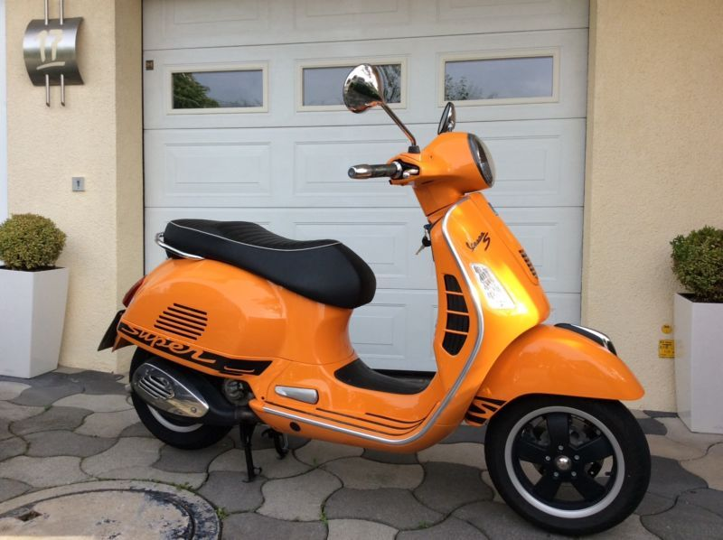 vespa 300 gts super sport orange als roller scooter in steinheim cool paintjobs and vespas. Black Bedroom Furniture Sets. Home Design Ideas