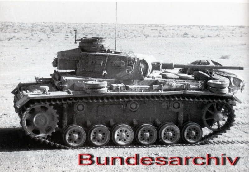https://flic.kr/p/dk36fd | Panzerkampfwagen III (5 cm L/60) Ausf. J Tp (Sd.Kfz. 141/1) Nr. 5 | 15. Panzer-Division, Libye, 1942.  Courtesy freeforumzone.leonardo.it/lofi/Panzer-III-Ausf-L/D9031510...