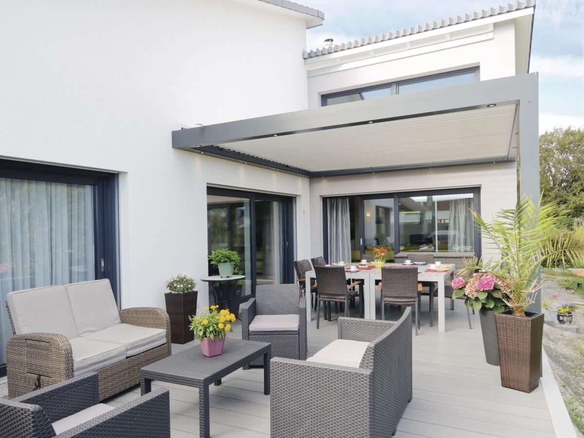 Terrasse Mit Pergola Uberdachung Terrassengestaltung Bungalow Haus