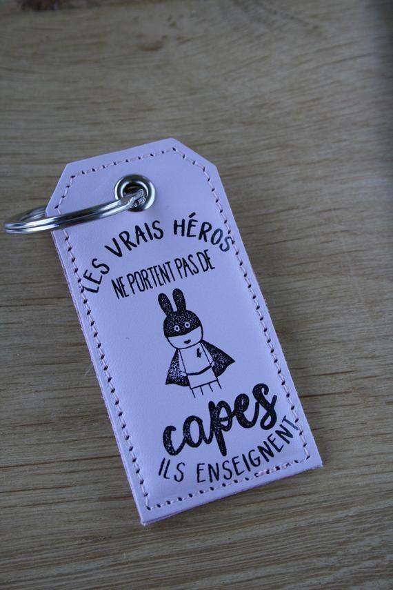 Porte-clés en cuir les vrais héros, cadeau maître, maîtresse, ATSEM, cadeau fin d'année