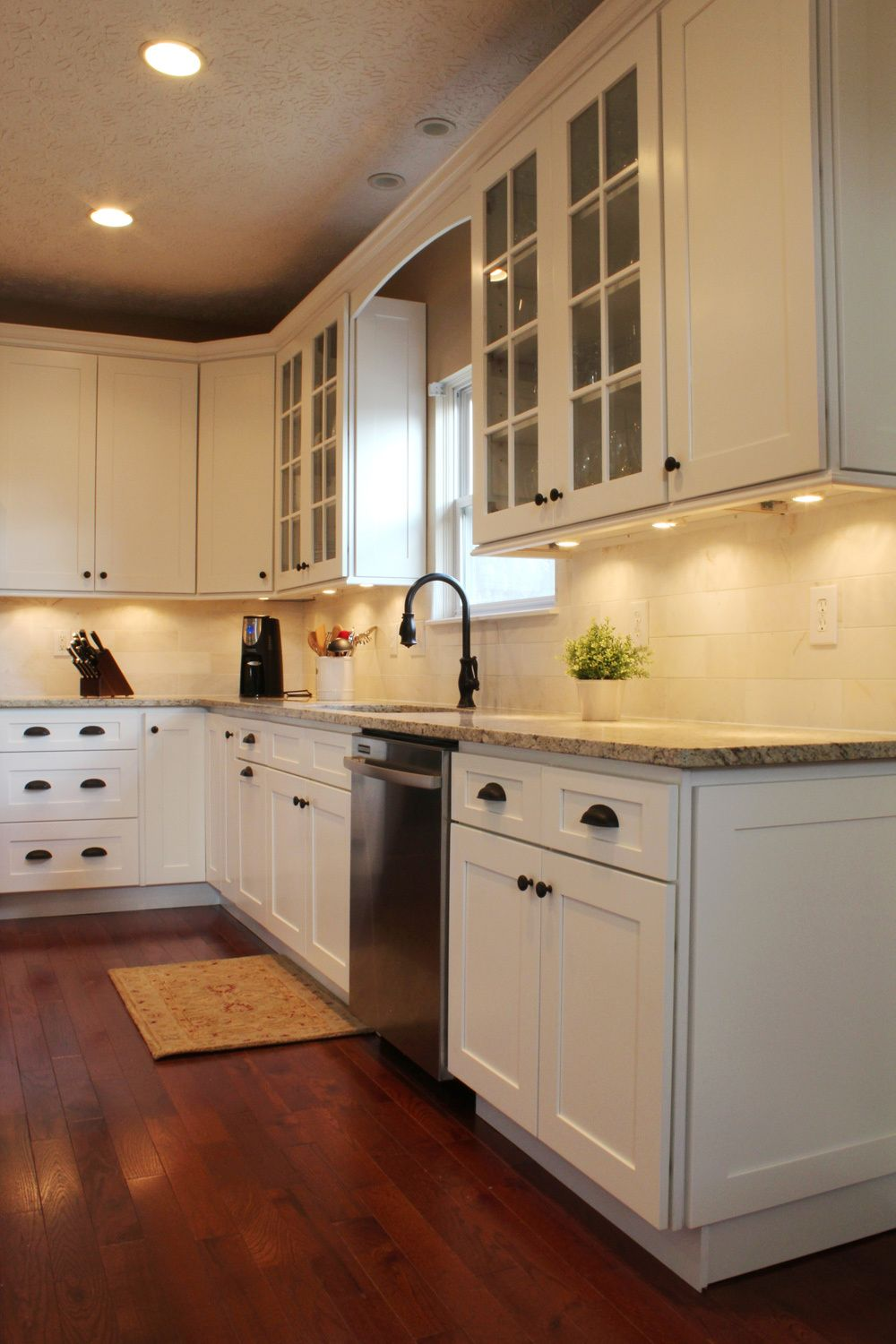 Kitchen Remodel Powell Ice White Shaker Kitchen Cabinets Columbus Oh Semro Designs 1 Shaker Style Kitchen Cabinets White Shaker Kitchen Kitchen Cabinet Remodel