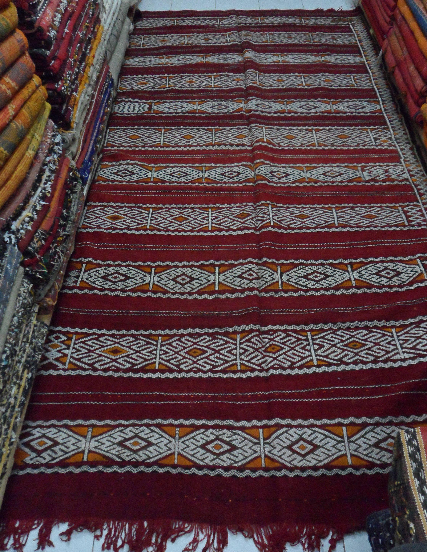 Vintage Moroccan Rug Red Hanbel De La Boutique Marrakechrugsshop Sur Etsy Rugs Vintage Moroccan Rugs Vintage Moroccan