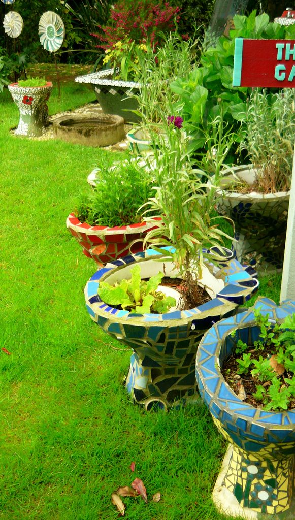 What To Do With Too Many Old Dunnies Toilets Mosaic Garden Garden Crafts Roof Garden Design