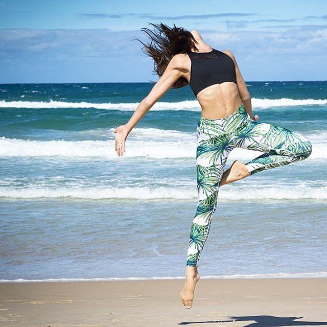 fbbe97ced5206 Loznpoz Tropicana White palm tree print yoga pants/leggings ...