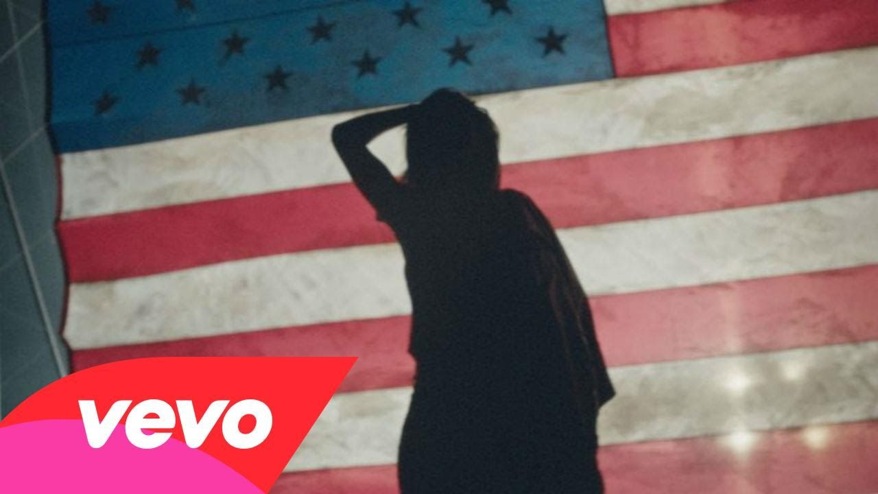 Rihanna - American Oxygen - The nipples & areola structure