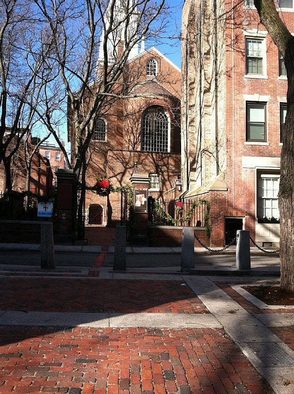 Boston apartment rental - Old Church Patio in the North ...
