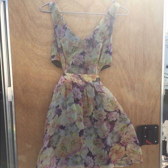 PRICE DROP! Floral Cutout Dress Beautiful dress, size medium. Price lower through ️️. Dresses