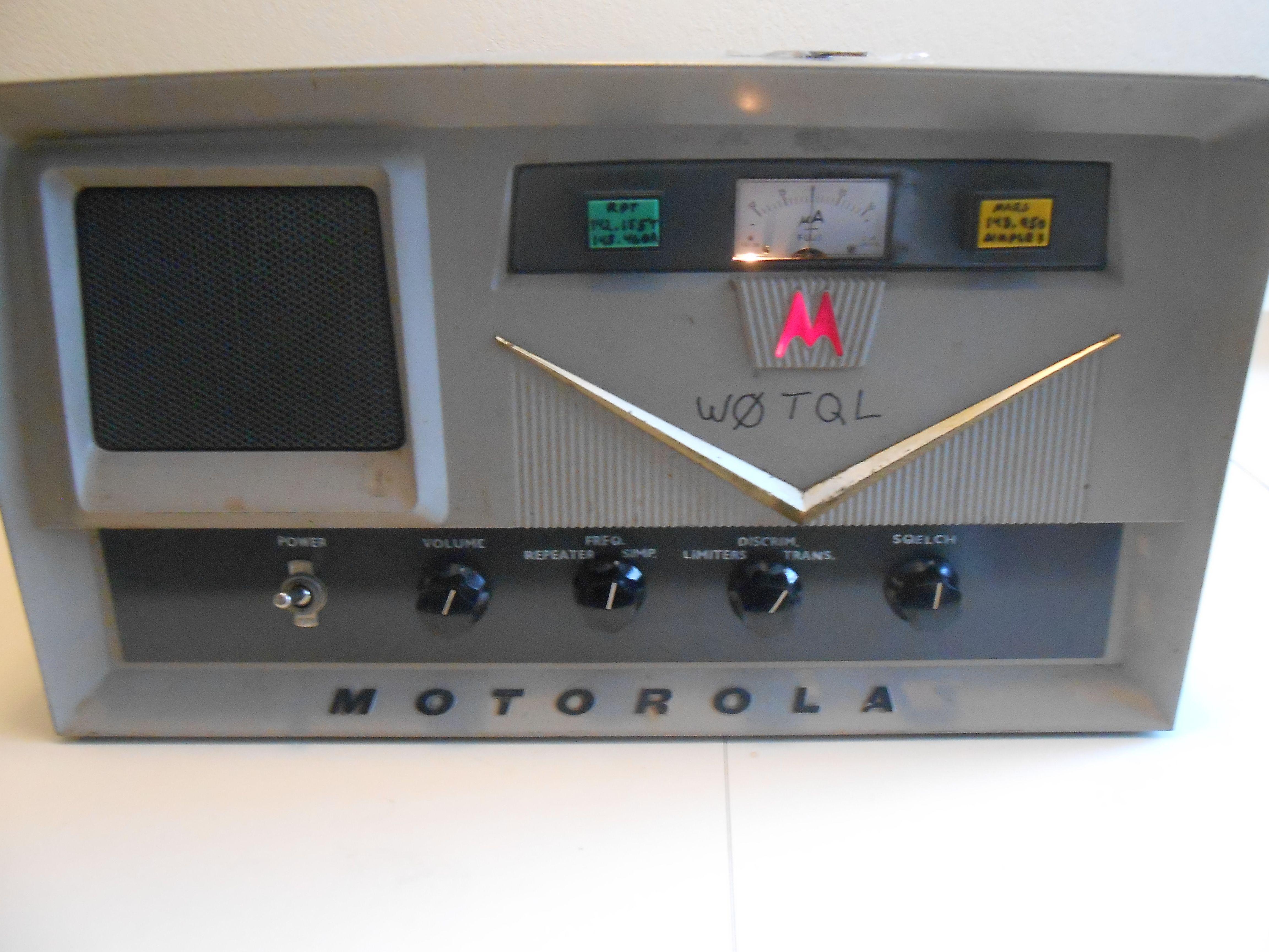 Vintage Motorola Tube Ham Radio Base station