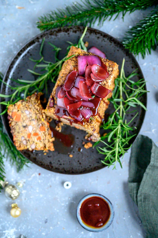 Linsenbraten mit Glühwein-Zwiebelsauce: Ein vegetarisches Weihnachtsessen ⋆ Knusperstübchen