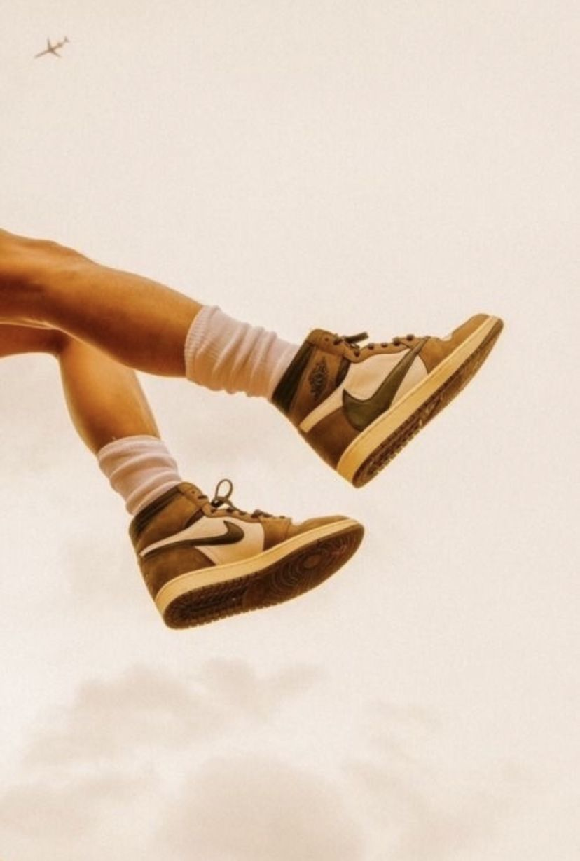 Pin By Alexis Dyer On I M Making This Cuz Maddie Told Me To In 2020 Vintage Nike Art Collage Wall Dream Shoes