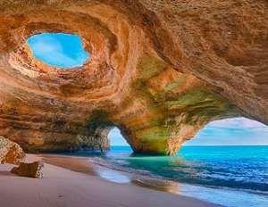 Essa praia portuguesa é uma das mais famosas do país e tem as características de um paraíso. O verão... - Fornecido por Guia da Semana