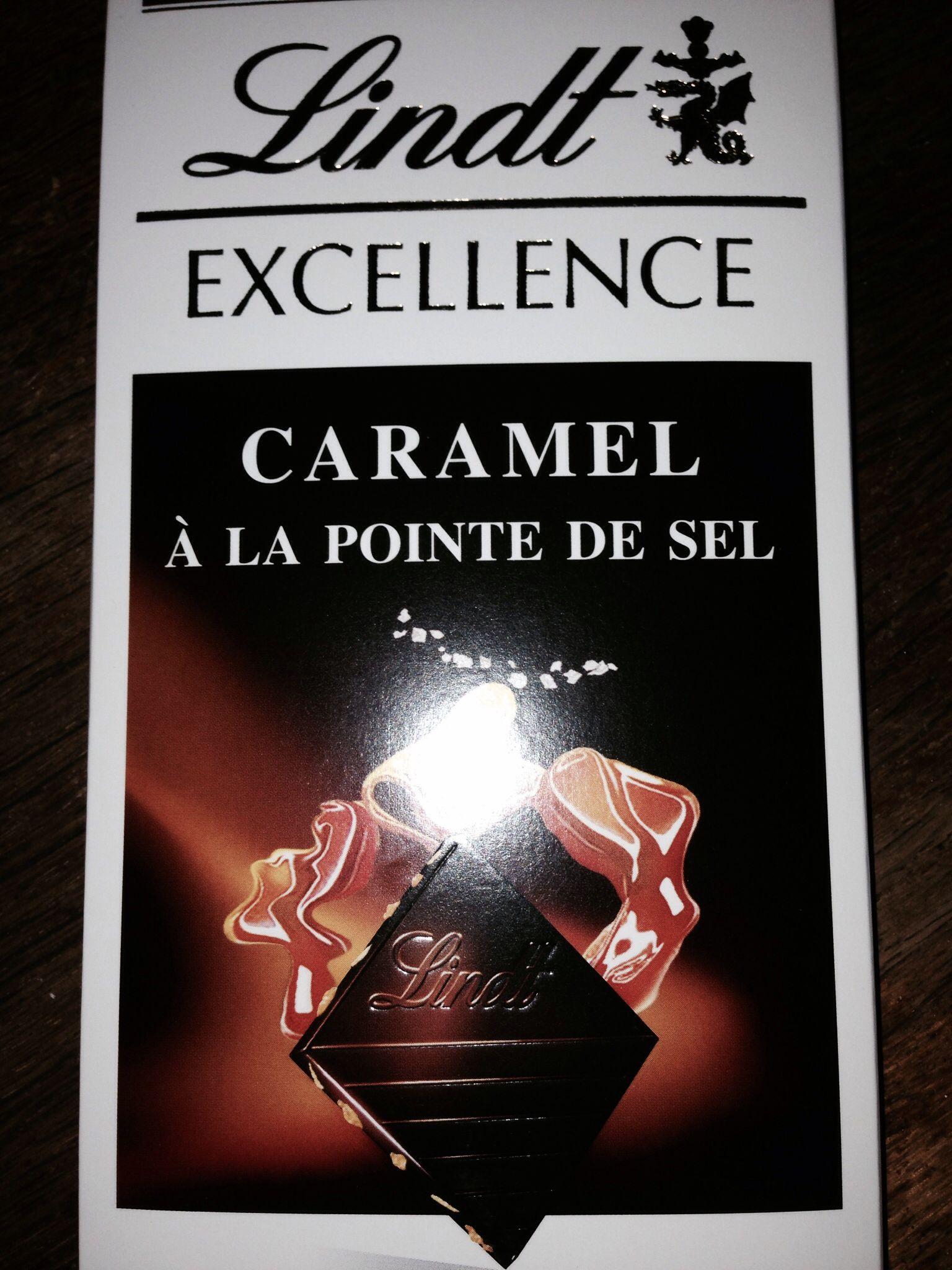 Chocolat noir, caramel & pointe de sel Lindt.