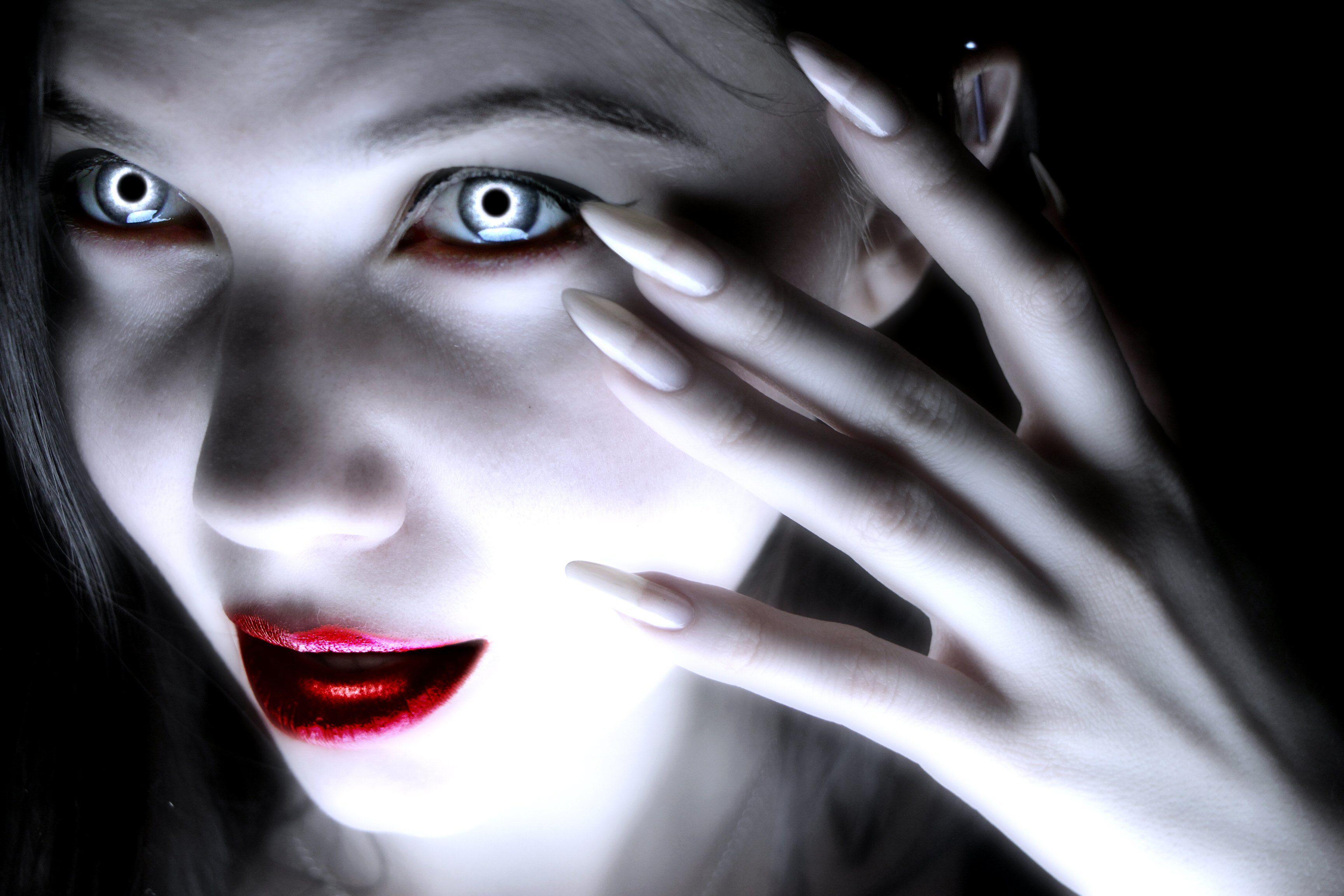 Больших картинки вампиры