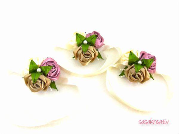 Mályva-krém-bézs szatén rózsás csuklódísz - Egyedi Kézimunkák Tárháza 3cf88b94e4