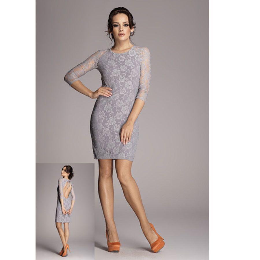 Hladke elegantné krajkové šaty so sexy výstrihom na chrbte. Ak máš rada trošku provokácie a extravaganciu, tak neváhaj. Šaty ti dokonale padnú a využiješ ich mnohokrát. :-)  Dodacia doba cca 10 pracovných dní.Veľkostné tabuľky